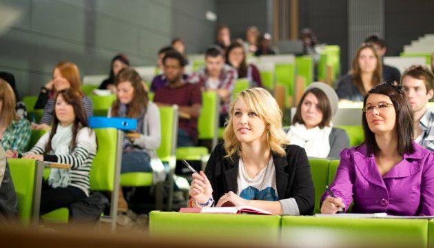 Де житомирські випускники можуть навчатися закордоном
